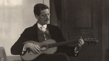 james joyce playing the guitar